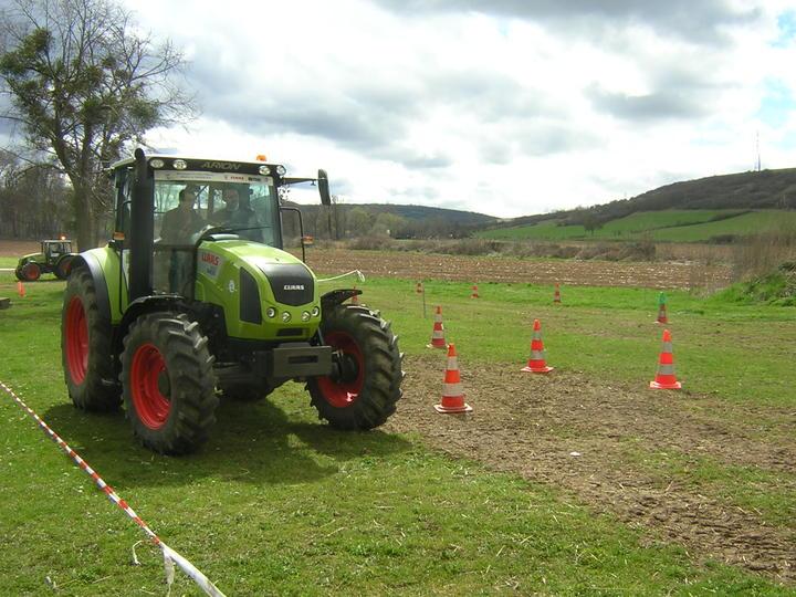 conduite tracteur agricole sur route